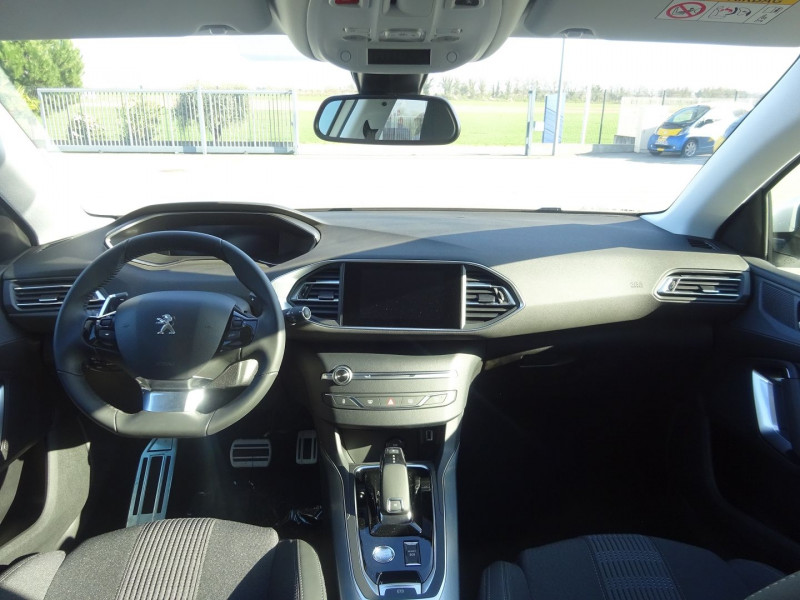 Photo 8 de l'offre de PEUGEOT 308 1.5 BLUEHDI 130CH S&S ALLURE PACK EAT8 à 23990€ chez 26 AUTO