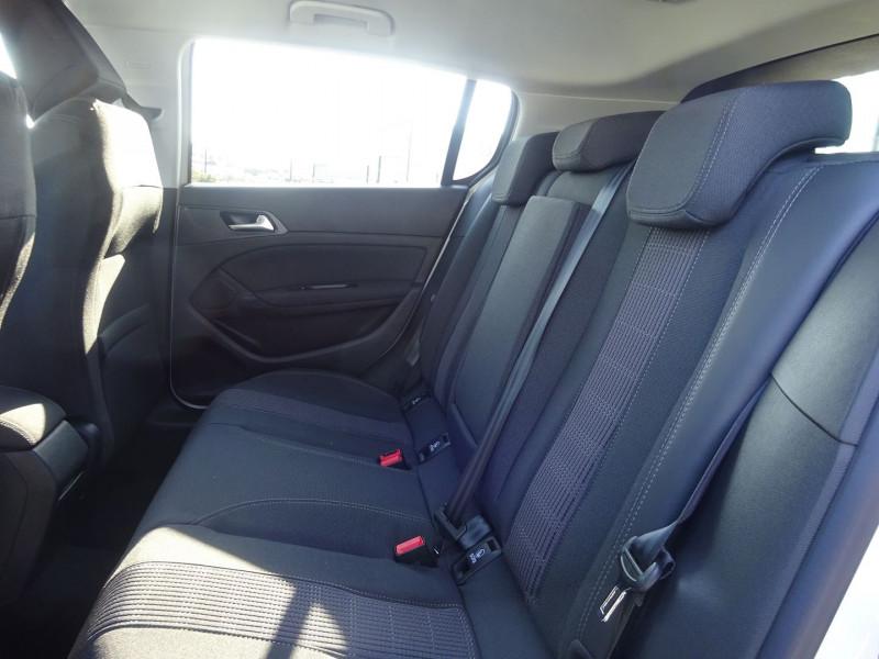 Photo 7 de l'offre de PEUGEOT 308 1.5 BLUEHDI 130CH S&S ALLURE PACK EAT8 à 23990€ chez 26 AUTO