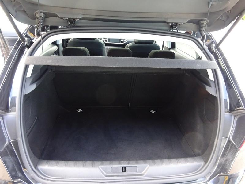 Photo 9 de l'offre de PEUGEOT 308 1.6 BLUEHDI 120CH STYLE S&S 5P à 14990€ chez 26 AUTO