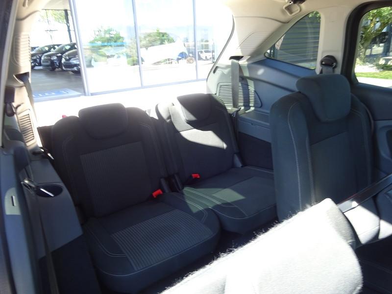 Photo 11 de l'offre de FORD GRAND C-MAX 2.0 TDCI 140CH FAP TITANIUM à 6800€ chez 26 AUTO