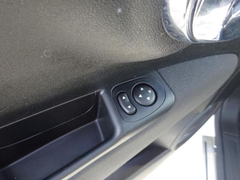 Photo 10 de l'offre de FIAT 500C 1.2 8V 69CH LOUNGE à 11390€ chez 26 AUTO