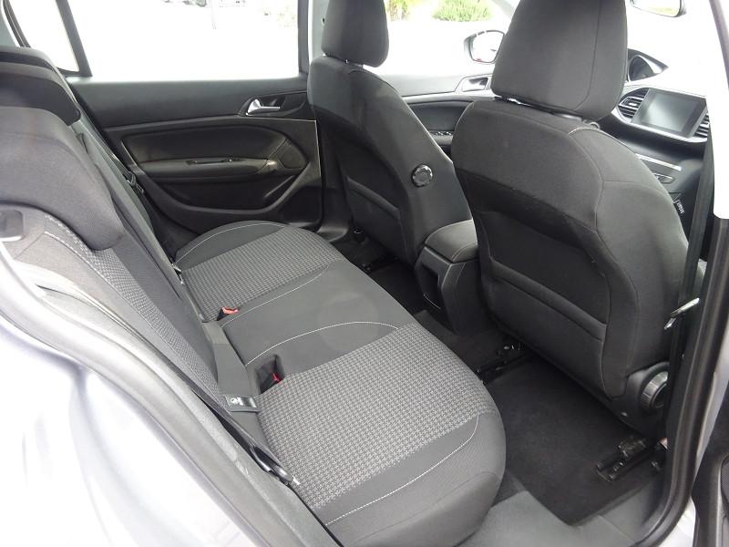 Photo 8 de l'offre de PEUGEOT 308 1.5 BLUEHDI 130CH S&S ACTIVE BUSINESS à 15590€ chez 26 AUTO