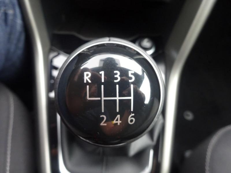 Photo 15 de l'offre de VOLKSWAGEN T-ROC 2.0 TDI 115CH LOUNGE S&S à 27990€ chez 26 AUTO
