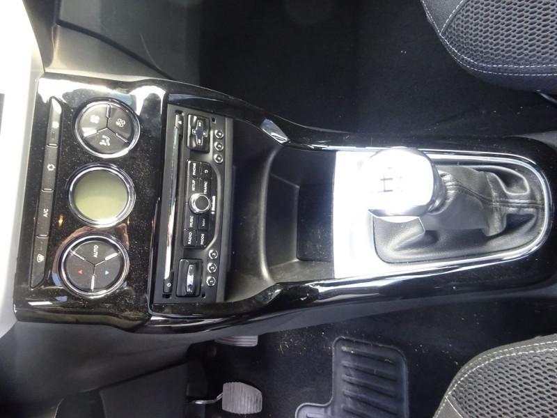 Photo 11 de l'offre de CITROEN DS3 1.6 E-HDI90 SO CHIC 4CV à 8990€ chez 26 AUTO
