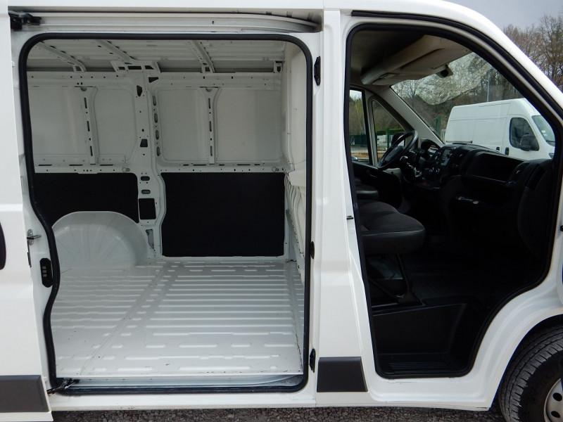 Photo 5 de l'offre de PEUGEOT BOXER FG 330 L1H1 2.0 BLUEHDI 110 PREMIUM PACK à 13490€ chez JML Auto