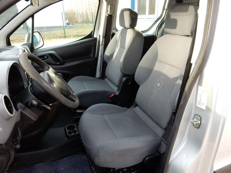 Photo 9 de l'offre de CITROEN BERLINGO 5 PLACES 1.6 HDI 90 L2  CABINE APPROFONDIE CONFORT à 12490€ chez JML Auto