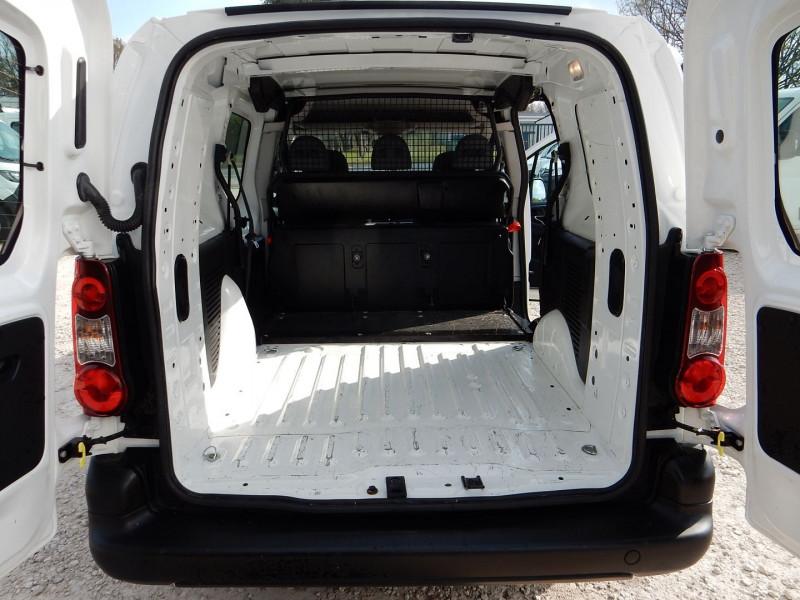 Photo 7 de l'offre de PEUGEOT PARTNER 5PLACES 1.6 HDI90 L2 CABINE APPROFONDIE CONFORT à 10990€ chez JML Auto