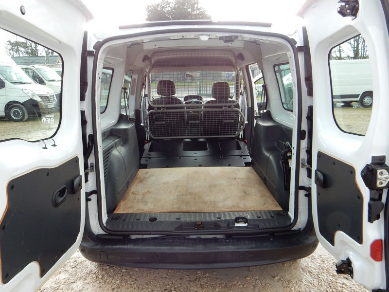 Photo 8 de l'offre de RENAULT KANGOO II 5 PLACES 1.5 DCI 90 ENERGY MAXI CABINE APPROFONDIE EXTRA R-LINK à 12490€ chez JML Auto