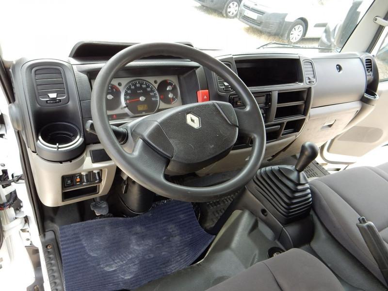 Photo 11 de l'offre de RENAULT TRUCKS MAXITY BENNE BASCULANTE 2.5 DXI 130 CV à 16990€ chez JML Auto