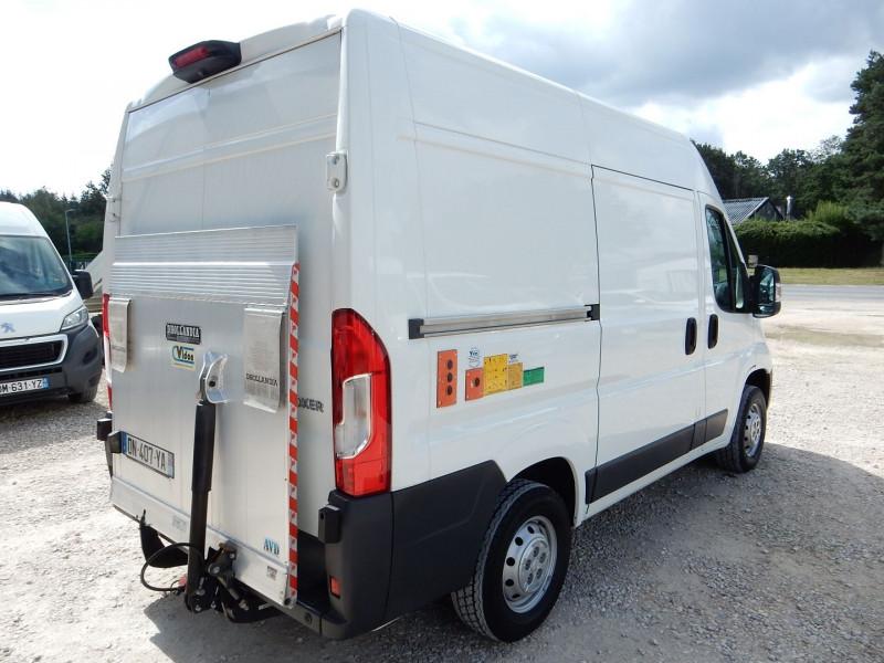Photo 3 de l'offre de PEUGEOT BOXER HAYON ELEVATEUR DHOLLANDIA L1H2 2.2 HDI 130 PACK CD CLIM à 19990€ chez JML Auto