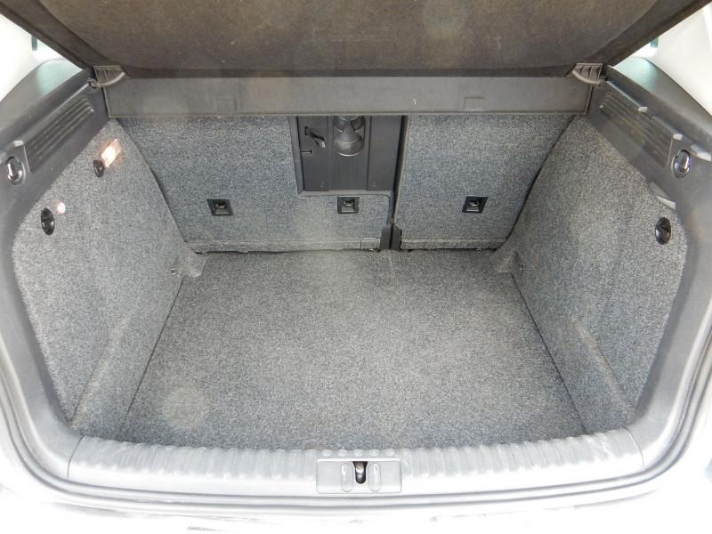 Photo 17 de l'offre de VOLKSWAGEN TIGUAN 2.0 TDI 177CH BLUEMOTION  SPORTLINE 4MOTION DSG7 à 16990€ chez JML Auto