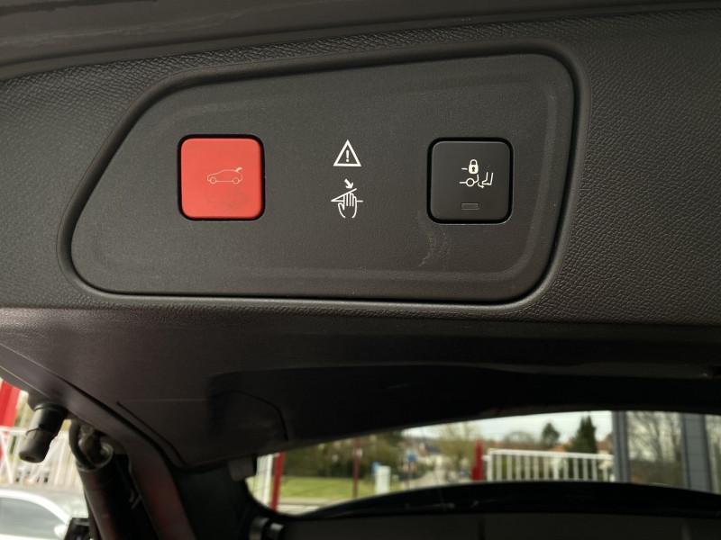 Photo 28 de l'offre de PEUGEOT 3008 2.0 BLUEHDI 180CH S&S GT EAT8 à 24970€ chez Autos Shala