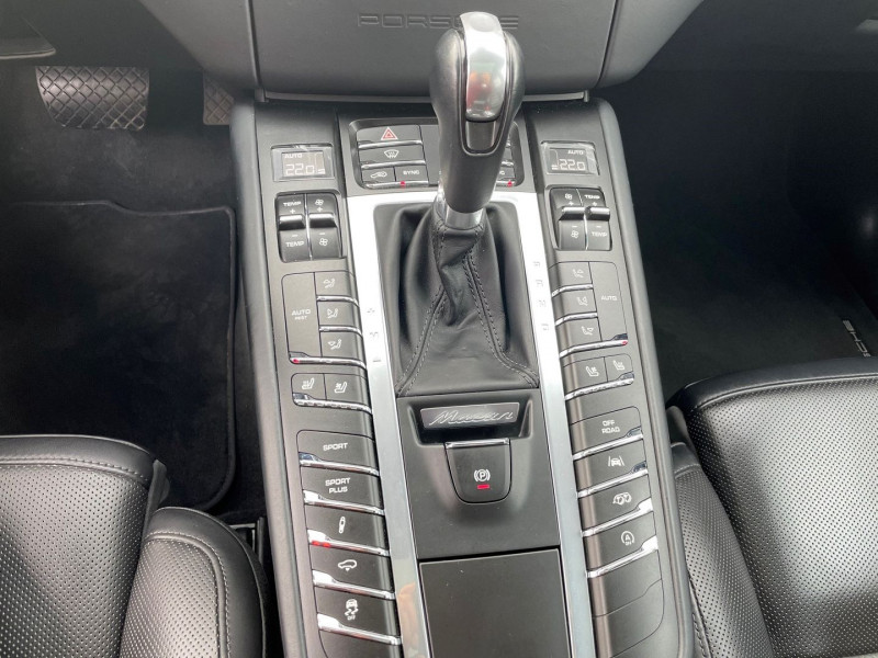 Photo 8 de l'offre de PORSCHE MACAN 3.6 V6 440CH TURBO PACK PERFORMANCE PDK à 62970€ chez Autos Shala