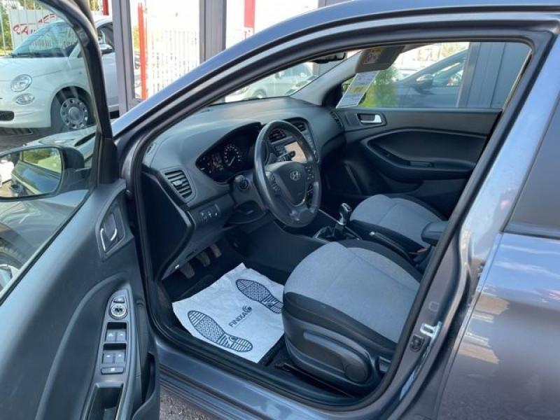 Photo 3 de l'offre de HYUNDAI I20 1.4 CRDI 90 INTUITIVE PLUS à 10970€ chez Autos Shala