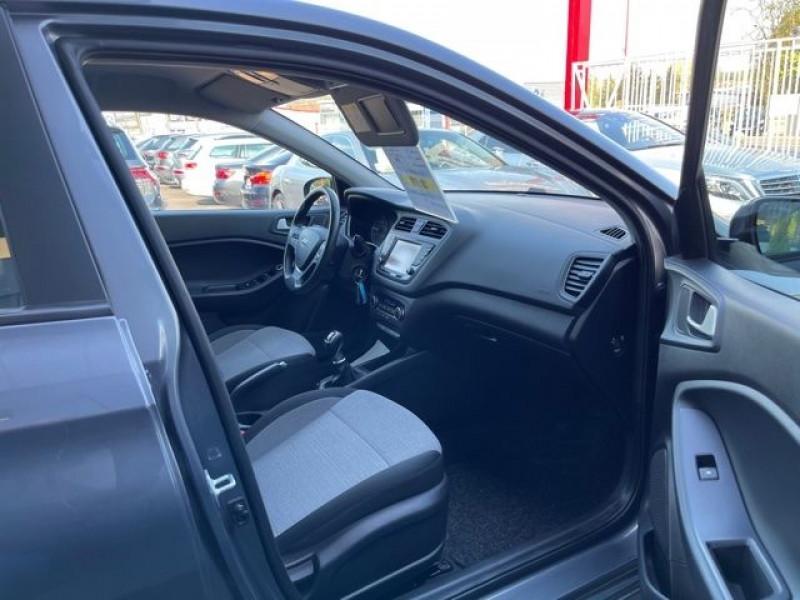 Photo 5 de l'offre de HYUNDAI I20 1.4 CRDI 90 INTUITIVE PLUS à 10970€ chez Autos Shala