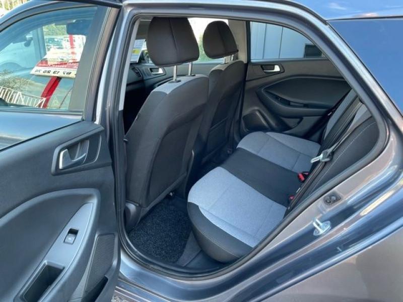 Photo 4 de l'offre de HYUNDAI I20 1.4 CRDI 90 INTUITIVE PLUS à 10970€ chez Autos Shala