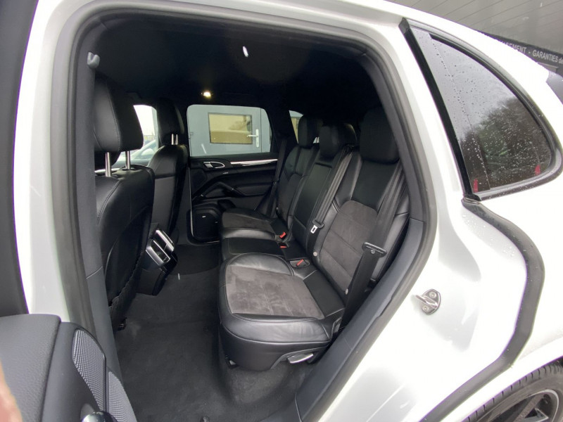 Photo 11 de l'offre de PORSCHE CAYENNE (958) 3.0 262CH DIESEL PLATINUM EDITION à 49970€ chez Autos Shala