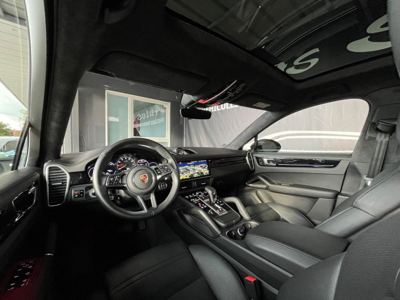 Photo 13 de l'offre de PORSCHE CAYENNE COUPE 3.0 V6 462CH E-HYBRID EURO6D-T-EVAP-ISC à 137980€ chez Autos Shala