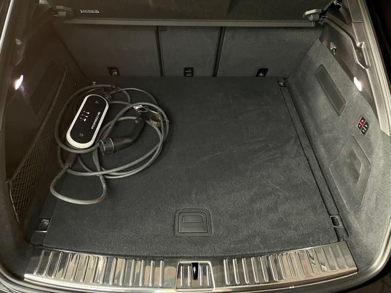 Photo 36 de l'offre de PORSCHE CAYENNE COUPE 3.0 V6 462CH E-HYBRID EURO6D-T-EVAP-ISC à 137980€ chez Autos Shala