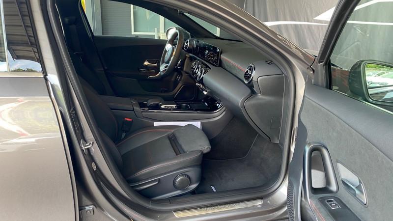 Photo 26 de l'offre de MERCEDES-BENZ CLASSE A BERLINE 180 136CH AMG LINE 7G-DCT 7CV à 37980€ chez Autos Shala