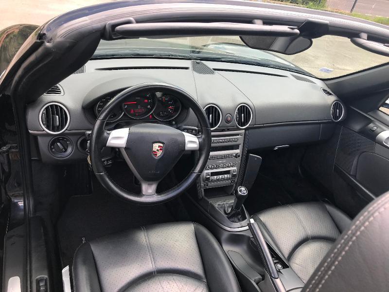 Photo 10 de l'offre de PORSCHE Boxster 2.7 240ch à 26500€ chez AR Cars Automobiles