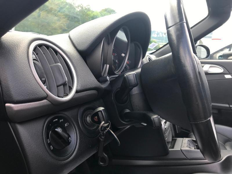 Photo 11 de l'offre de PORSCHE Boxster 2.7 240ch à 26500€ chez AR Cars Automobiles