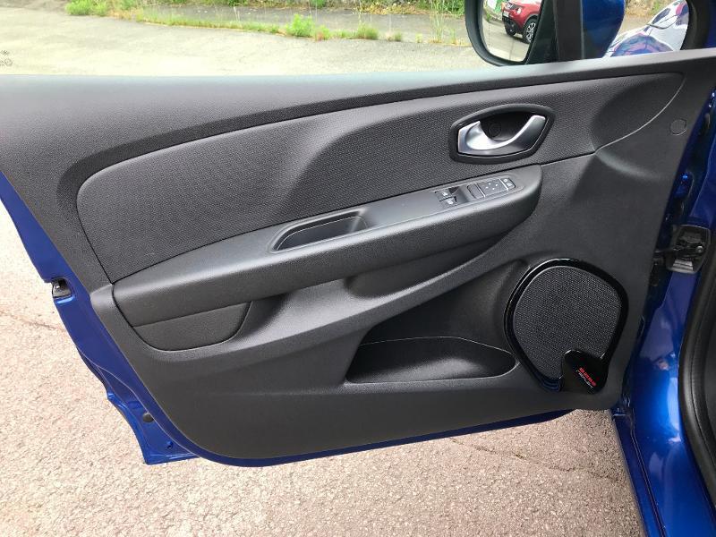 Photo 14 de l'offre de RENAULT Clio 0.9 TCe 90ch energy Business 5p Euro6c à 11490€ chez AR Cars Automobiles