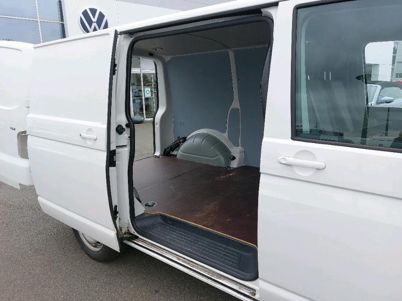 Photo 4 de l'offre de VOLKSWAGEN Transporter Fg 2.8T L1H1 2.0 TDI 150ch Business Line Plus DSG7 à 21500€ chez AR Cars Automobiles