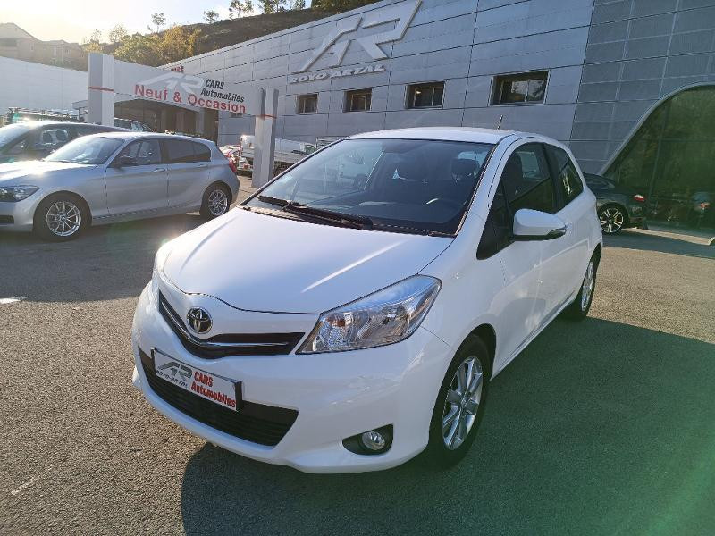 Toyota Yaris 69 VVT-i Tendance 3p Essence Blanc Métal Occasion à vendre