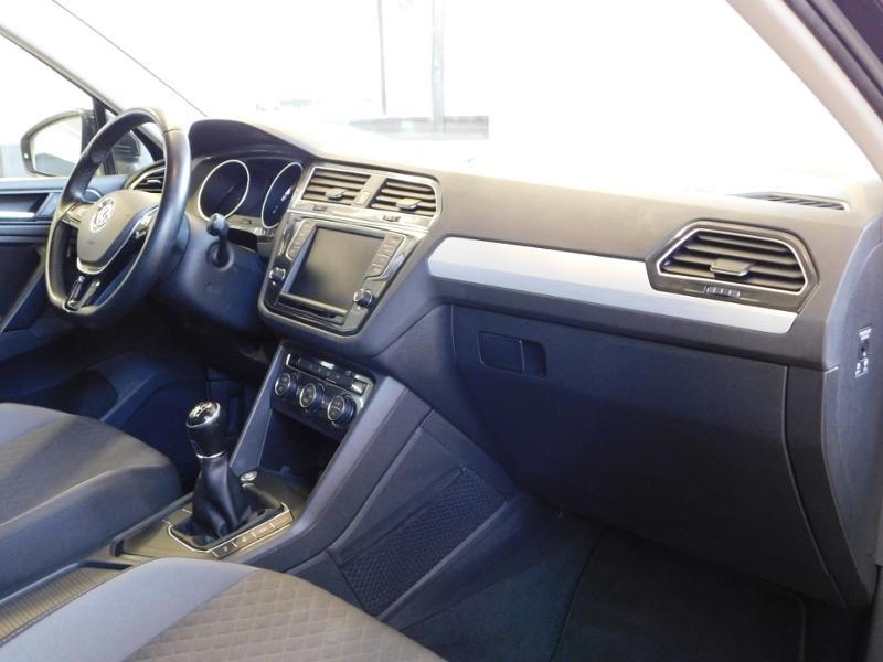 Photo 11 de l'offre de VOLKSWAGEN Tiguan 2.0 TDI 150ch BlueMotion Technology Confortline Business à 21990€ chez Autovia Véhicules Multimarques