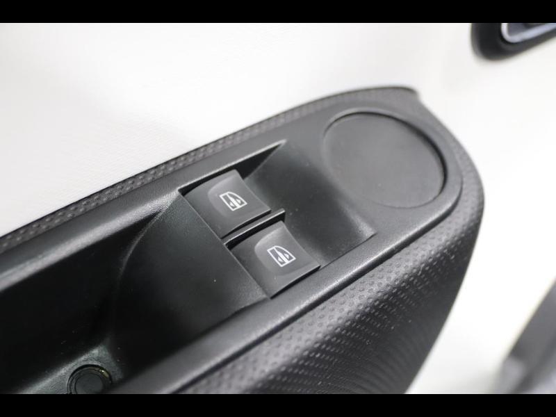 Photo 13 de l'offre de RENAULT Twingo 1.0 SCe 70ch Limited Euro6c à 9890€ chez Autovia Véhicules Multimarques