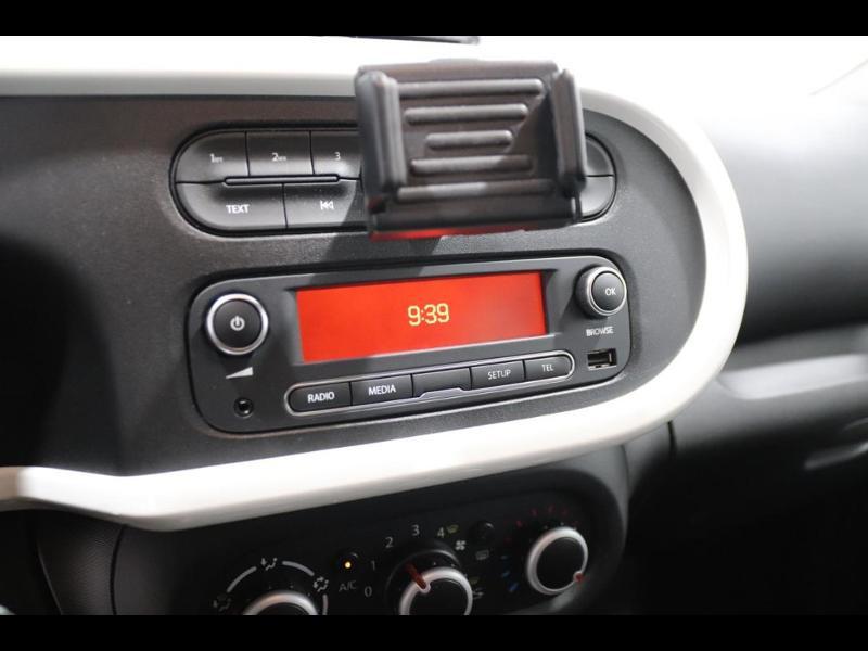 Photo 10 de l'offre de RENAULT Twingo 1.0 SCe 70ch Limited Euro6c à 9890€ chez Autovia Véhicules Multimarques