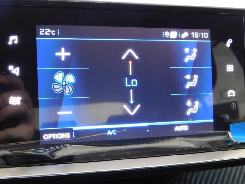 Photo 20 de l'offre de PEUGEOT 2008 1.5 BlueHDi 100ch S&S Active à 24990€ chez Autovia Véhicules Multimarques