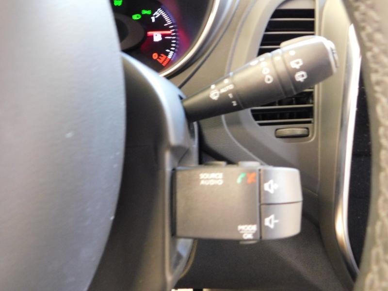 Photo 17 de l'offre de RENAULT Captur 1.3 TCe 130ch FAP Intens à 15990€ chez Autovia Véhicules Multimarques