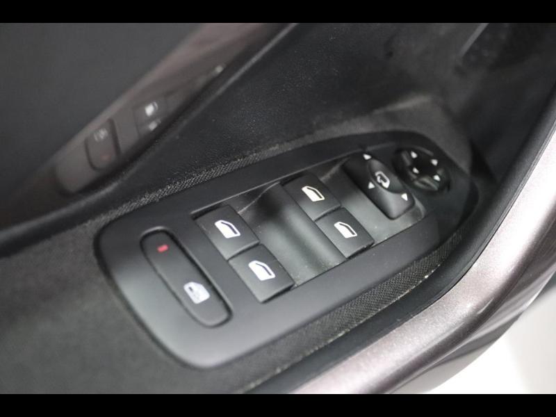 Photo 11 de l'offre de PEUGEOT 2008 1.2 PureTech Active à 10990€ chez Autovia Véhicules Multimarques