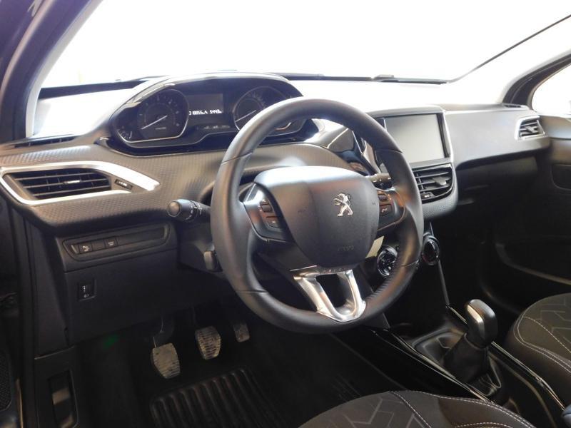 Photo 8 de l'offre de PEUGEOT 2008 1.2 PureTech 130ch E6.c GT Line S&S à 19990€ chez Autovia Véhicules Multimarques