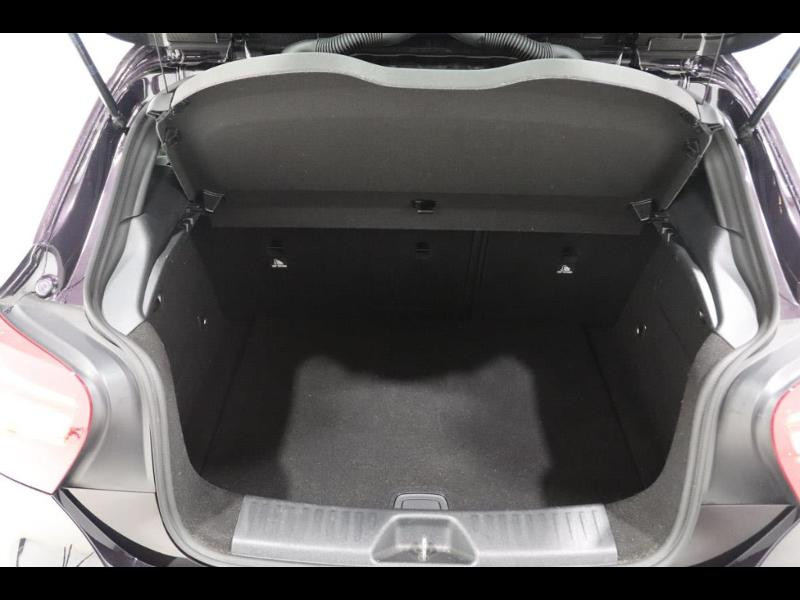 Photo 4 de l'offre de MERCEDES-BENZ Classe A 200 d sensation à 20990€ chez Autovia Véhicules Multimarques