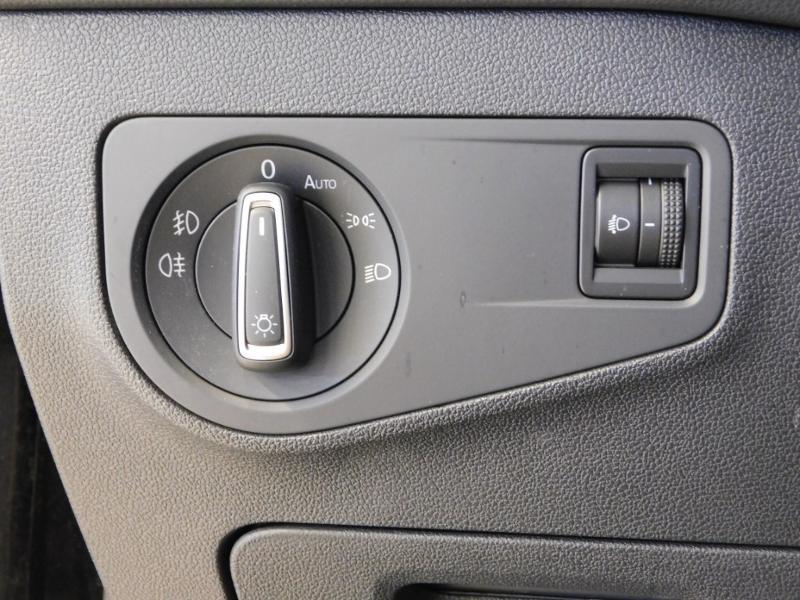 Photo 14 de l'offre de VOLKSWAGEN Tiguan 2.0 TDI 150ch BlueMotion Technology Confortline Business à 21990€ chez Autovia Véhicules Multimarques