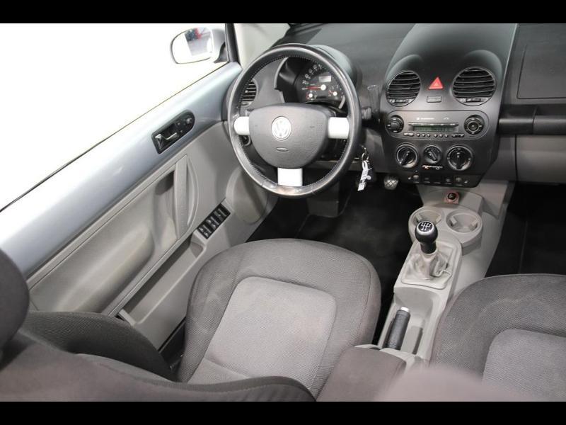 Photo 10 de l'offre de VOLKSWAGEN Beetle Cab 1.4 75ch à 7990€ chez Autovia Véhicules Multimarques
