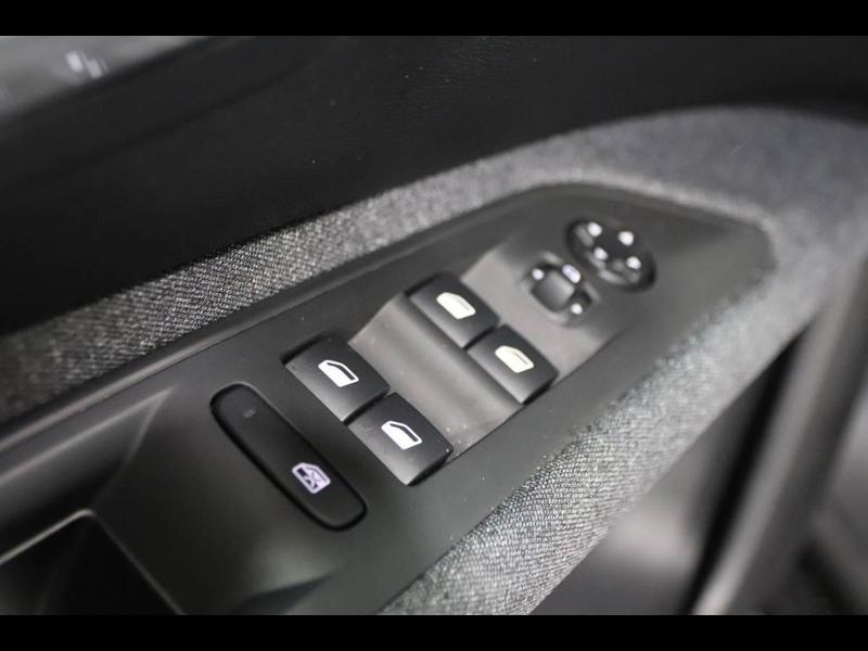 Photo 14 de l'offre de PEUGEOT 3008 1.5 BlueHDi 130ch E6.c Active S&S EAT8 à 26490€ chez Autovia Véhicules Multimarques