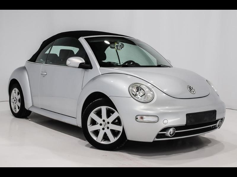 Photo 2 de l'offre de VOLKSWAGEN Beetle Cab 1.4 75ch à 7990€ chez Autovia Véhicules Multimarques