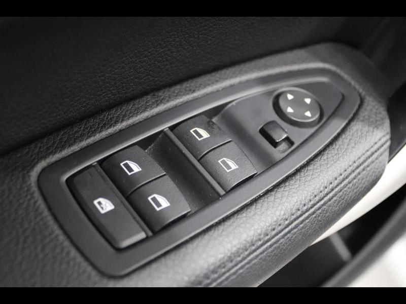 Photo 14 de l'offre de BMW Serie 1 120dA 190ch bva Lounge 5p à 24990€ chez Autovia Véhicules Multimarques