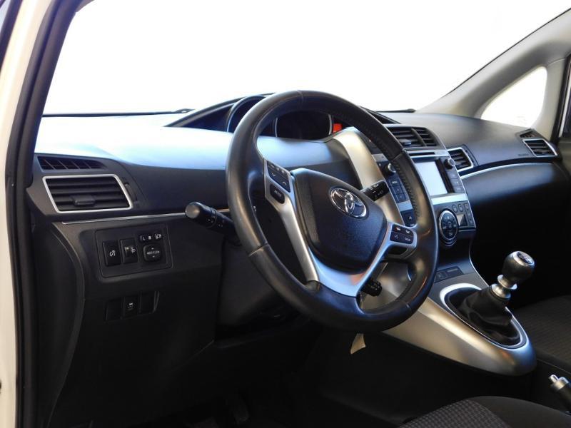 Photo 9 de l'offre de TOYOTA Verso 112 D-4D FAP Dynamic à 12990€ chez Autovia Véhicules Multimarques