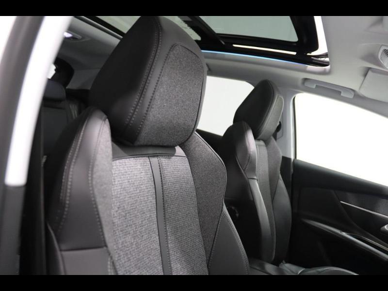 Photo 9 de l'offre de PEUGEOT 3008 1.6 HDi115 FAP Allure à 27690€ chez Autovia Véhicules Multimarques
