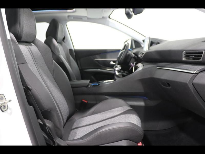 Photo 8 de l'offre de PEUGEOT 3008 1.6 HDi115 FAP Allure à 27690€ chez Autovia Véhicules Multimarques