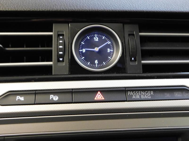 Photo 27 de l'offre de VOLKSWAGEN Passat SW 2.0 TDI 150ch BlueMotion Technology Confortline Business DSG6 à 19990€ chez Autovia Véhicules Multimarques