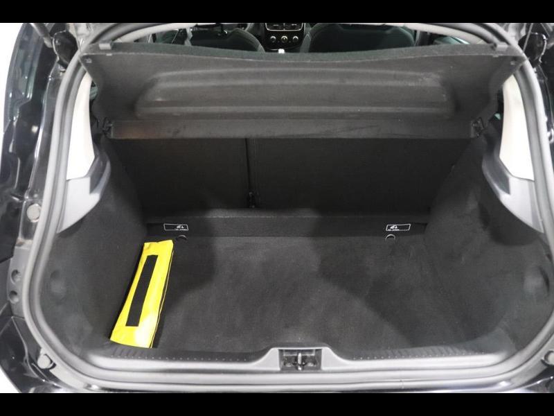 Photo 4 de l'offre de RENAULT Clio 1.2 16v 75 Limited 5p à 11990€ chez Autovia Véhicules Multimarques