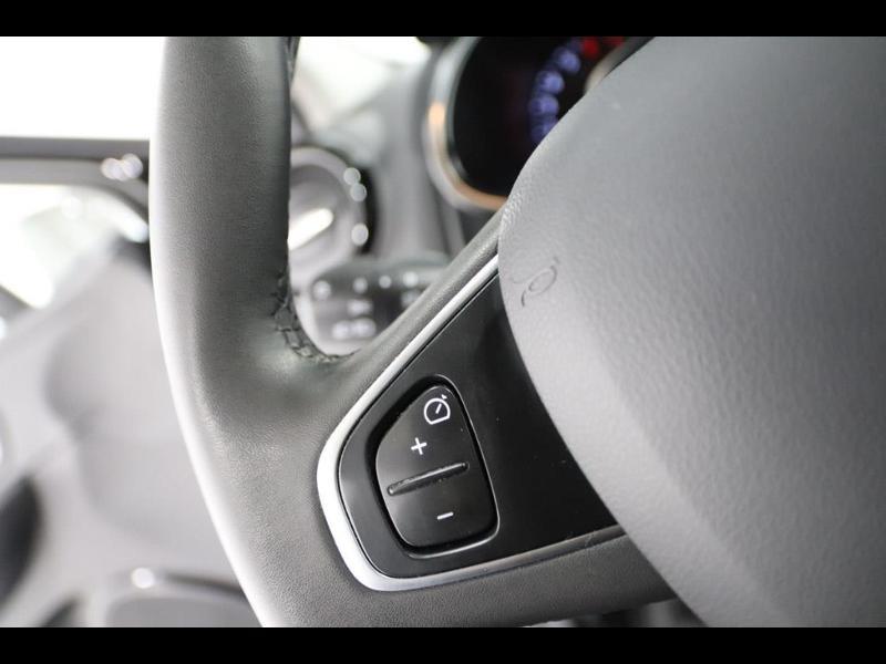 Photo 16 de l'offre de RENAULT Clio 1.2 16v 75 Limited 5p à 11990€ chez Autovia Véhicules Multimarques