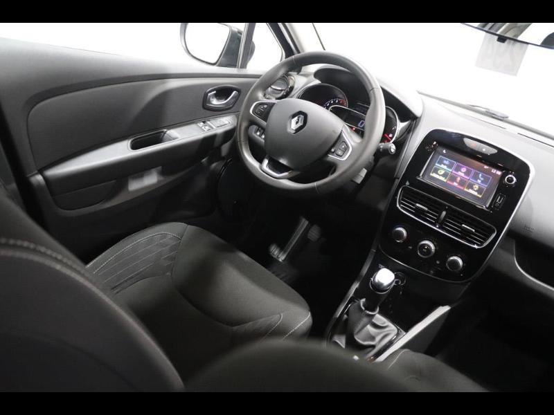 Photo 2 de l'offre de RENAULT Clio 1.2 16v 75 Limited 5p à 11990€ chez Autovia Véhicules Multimarques