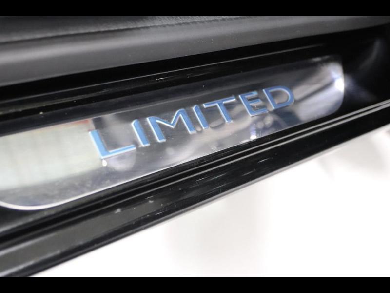 Photo 11 de l'offre de RENAULT Clio 1.2 16v 75 Limited 5p à 11990€ chez Autovia Véhicules Multimarques